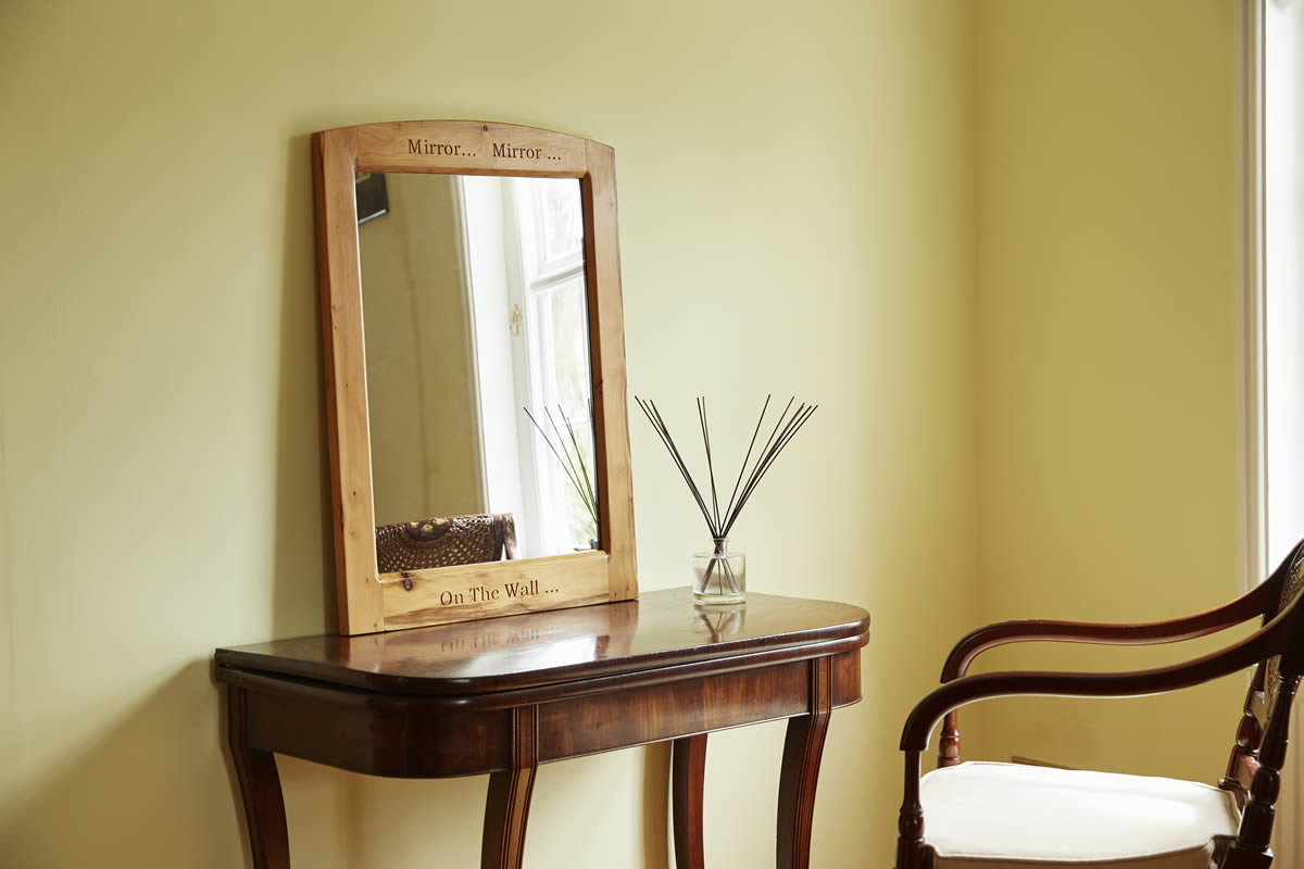 Top 5 Incredible Teakwood Mirrors to Match Your Room's Walls