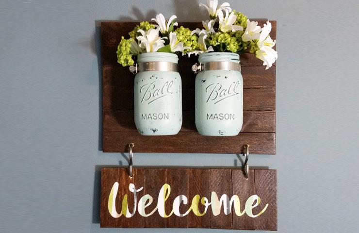 Mason jar keyholder