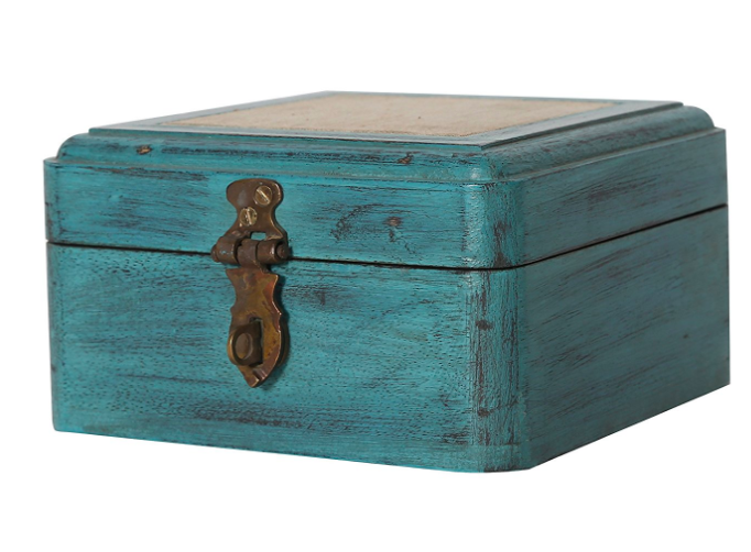 vintage-trunk-showpieces-for-decor