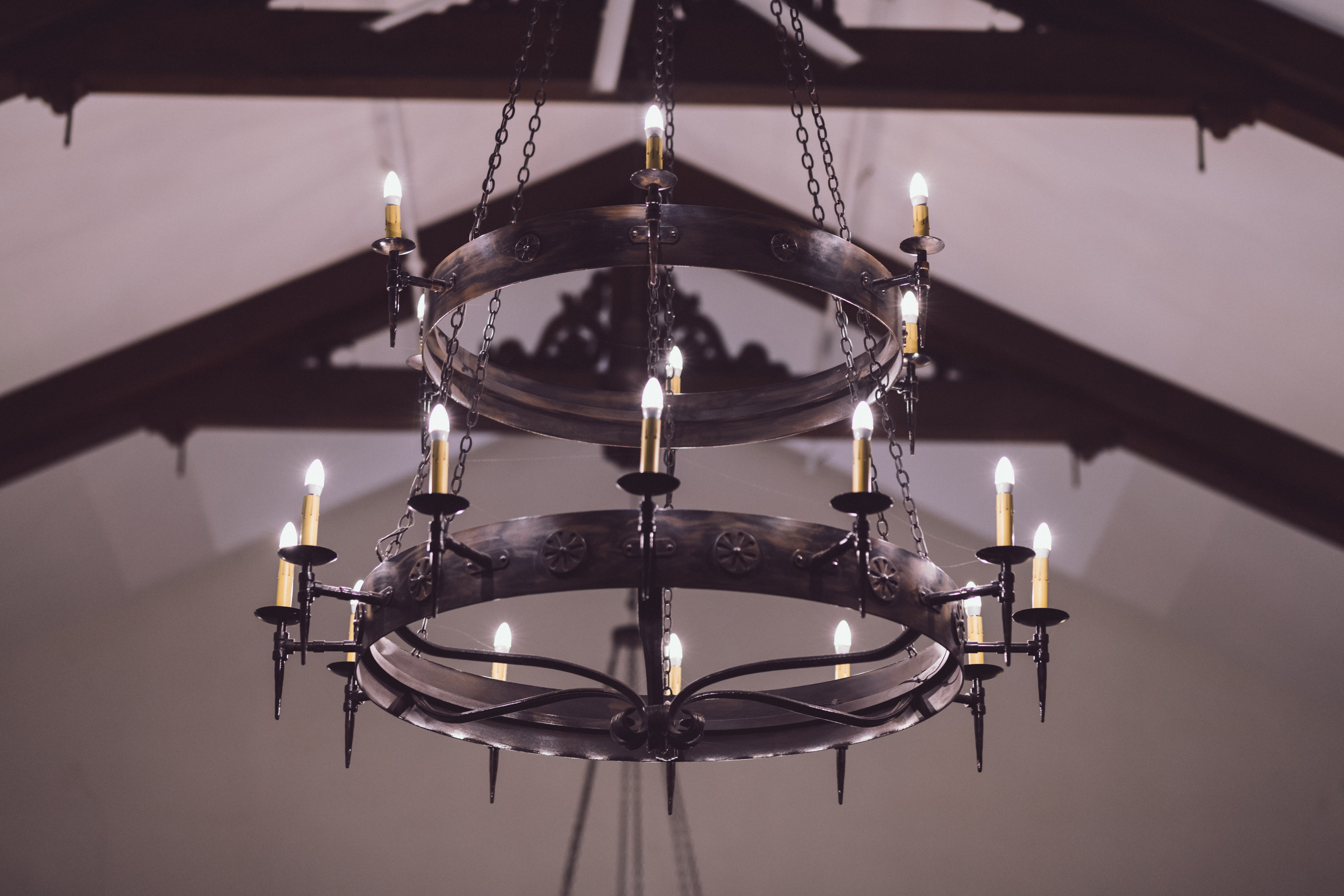 5  bright chandelier that will add sparkle to your bedroom