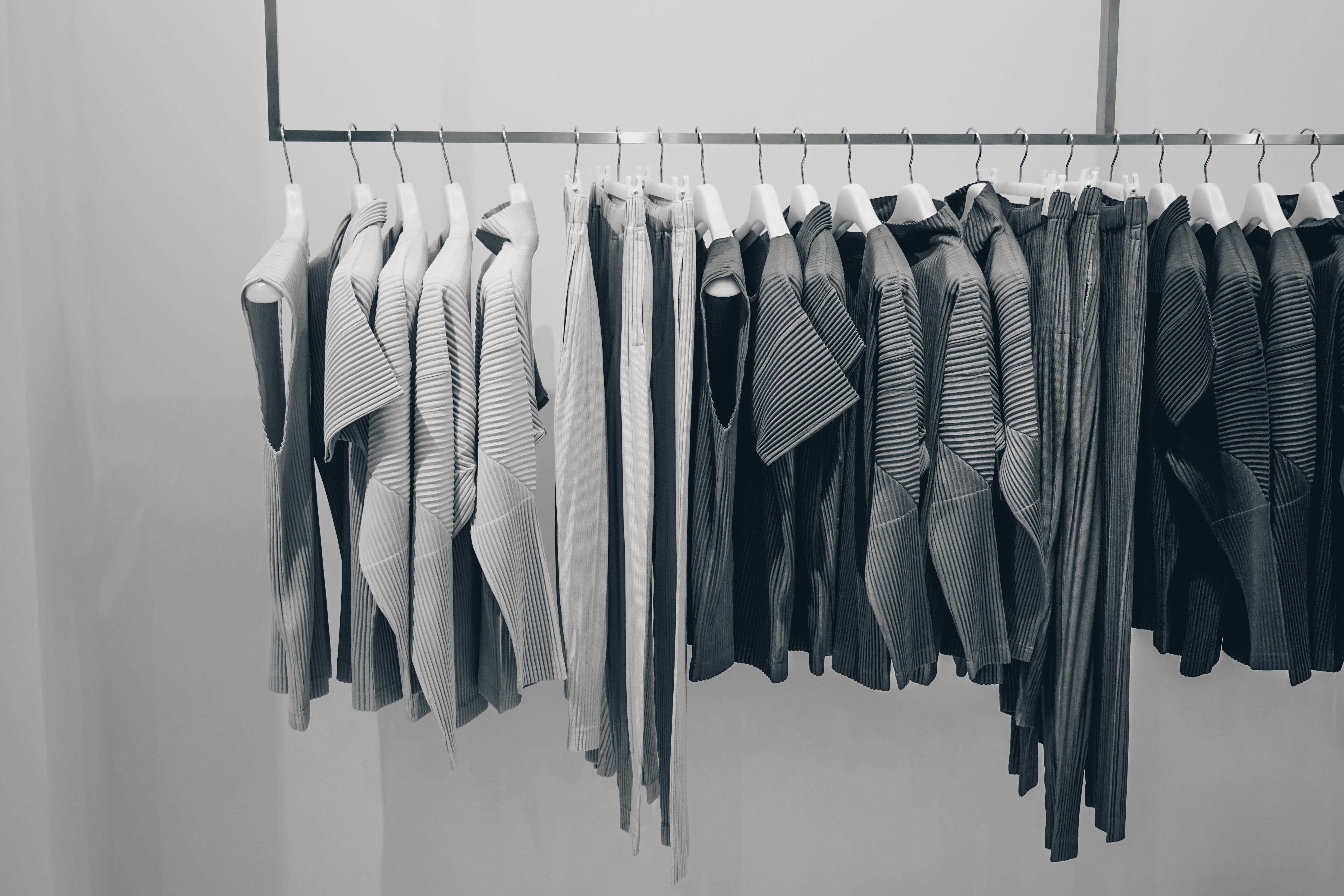 Simplify Your Wardrobe & Be More Productive